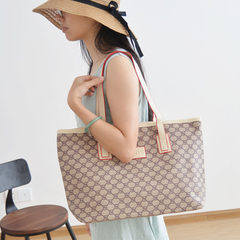 In the summer of 2017 and the new air bag leisure bag bag bag minimalist personality pattern Gray TT