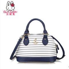 Tony rabbit's new shoulder bag, winter new shell bag, trend stripe, lovely shoulder bag 2357S Blue in paragraph