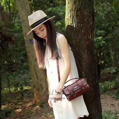 Europe 2017 new summer fashion handbags all-match Mini Shoulder Messenger Bag retro ladies handbag Dark brown