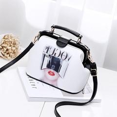 Small summer bag 2017 new Korean tide fashion handbags handbag Mini all-match personality single shoulder bag European style