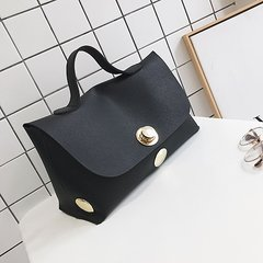 The new summer fashion bag 2017 bag all-match Boston Commuter Bag lock simple handbag black