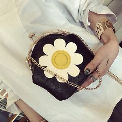 Korean retro Boston chain bag handbag Crossbody Bag cylinder lock small bag bag black