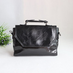 2016 new retro fashion handbags oil wax sportswear Simple Shoulder Handbag across the postman