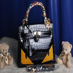 2015 new winter crocodile Kylie Baotou cowhide small monster Kylie bag shoulder diagonal bags Thirty-two
