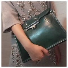 Special offer Korea version of the new Europe and the big envelope bag hand bag leather handbag ladies evening bag shoulder diagonal cross Gradient green 13#