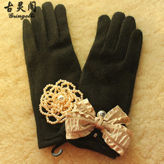 South Korea imported wool gloves Korean Ribbon Pearl Flower lady gloves small black mushroom can touch screen Black + pearl flower + bow knot