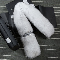 The new winter fox fur scarf Ms. song of joy Andy with real hair scarf shawl collar. The white