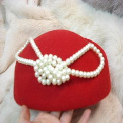 Pure wool BERET HAT retro feather hat female painter Hepburn shipping. The autumn and winter hat