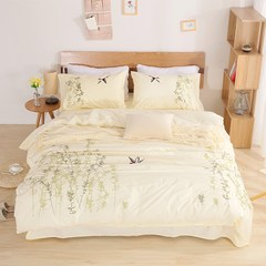 A set of four simple cotton quilt cotton quilt double yellow winter embroidery embroidery quilt bed 1.8m 200X230cm (bed linen) 1.5m (5 feet) bed