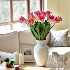 The light in the tulip flower decoration flower flower simulation room table decoration flower garden
