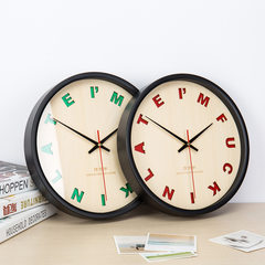 Modern minimalist wooden wall clock clock clock Nordic creative atmosphere tide 12 inch round the living room 12 inches