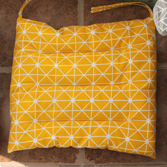 Cotton and linen cushion office chair cushion cushion, student classroom board stool cushion, winter dining chair cushion cushion large square pillow: 50X50cm yellow lattice