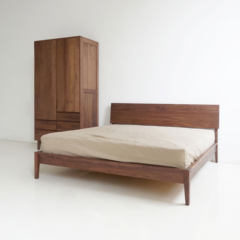 The way of getting along with people full cut deals square bed of white oak black walnut wood Japanese independent spring mattress bed 1500mm*2000mm Full white oak Frame structure