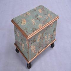 The crown, stool stool storage box stool stool stool bag shoes retro classic post Non gel natural 3D coconut palm + egg sponge