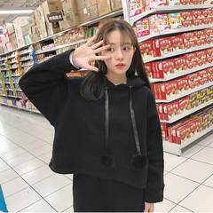 In the autumn and winter, the Korean version of the college breeze is nine points wide leg trousers, two sets of fashion plus velvet sweater suit, female loose student tide S black velvet (high quality velvet).