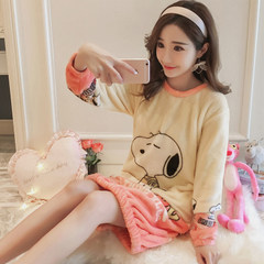 Winter Coral Fleece Pajamas female long sleeve winter sweet flannel Nightgown female cartoon Siamese long warm 160 (M) Snoopy no bra