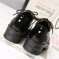 British style shoes 2017 new autumn Bullock all-match thick soled shoes in black leather shoes with a small school. Thirty-seven black