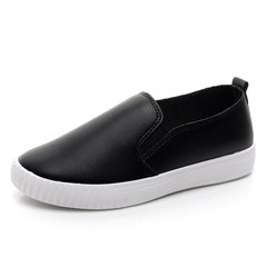 White shoes fall 2017 new Korean students all-match flat shoes leather shoes Street casual shoes Thirty-eight black