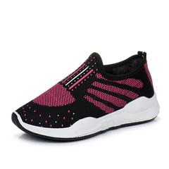 Autumn and winter old Beijing shoes women shoes with cashmere thermal mother shoe skid leisure sports shoes shoes female thickening Thirty-eight black