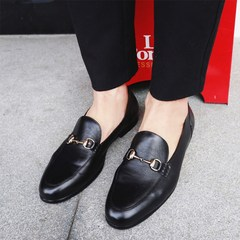 Moustache shop 2017, spring and summer, Korea simple metal buckle sleeve foot happiness shoes, tide man British cowhide leisure leather shoes Thirty-eight black