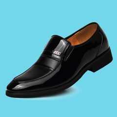 The dress of men's leather shoes black velvet shoes with pointed male winter young British business Korean leisure shoes soft Forty 801 black