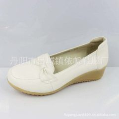 A large number of leather nurse shoes work shoes white nurse shoes slope heel leather mother shoes w white 34