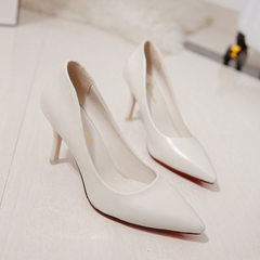 The new style of fashionable women`s single shoes with sloping heels and shallow leather upper for s white 34