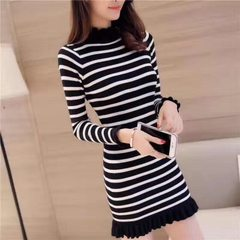 Hot style new autumn/winter dress Korean women`s slim middle and long knit skirt with lotus leaf hal Black and white All code