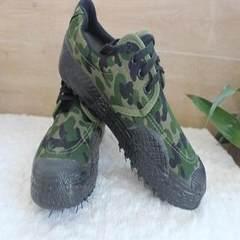 Wholesale genuine 99 men`s work training shoes camouflage canvas shoes labor protection rubber shoes camouflage 38