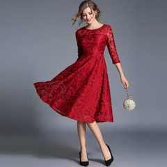 Spring 2018 new European and American large size women`s seven-point sleeve slim middle length lace  red s.