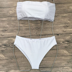 The new fashion monochrome bikini in Europe and the United States is given in the bikini style white s.