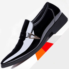 Cross-border casual men`s shoes for men`s casual wear men`s pointy new autumn Korean version of fash white 38