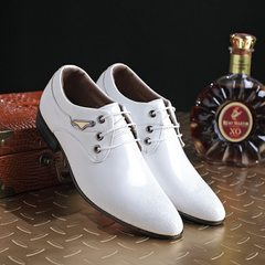 2018 spring new business dress shoes men`s wedding shoes engraved white men`s casual shoes single sh white 37