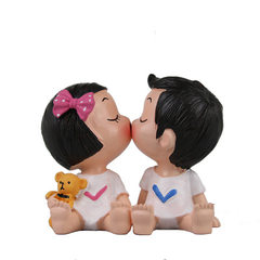Birthday cake decoration lovely figures kiss baby small toys manufacturers direct selling DIY baking Kiss baby It`s about 7CM high