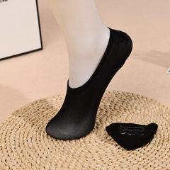 A substitute spring silk socks new silicone anti-skating silk boat socks women adult invisible shall black All code