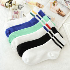 Lovers of harajuku baseball with two stripes in the middle of stockings tide socks sports men and wo black All code