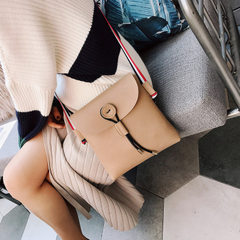 Small bag 2018 autumn winter new Korean style envelope bag tassel single shoulder slanting small bag khaki