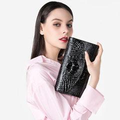 Aifan carries a handbag with a female fashion handbag by | black