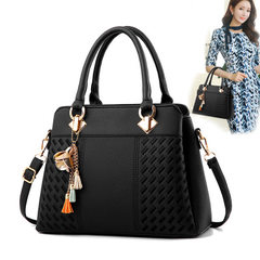 Big box bag handbag women 2018 new women`s single shoulder oblique bag PU women`s bag a fashion tren The big red