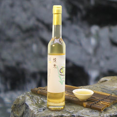 Rice wine glutinous rice wine is specially produced from rice wine sweet white wine farmers from the Glutinous rice wine