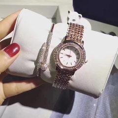 微商爆款 一件代发镶钻女表钢带两件套手表钉子手镯套装厂家直销 套装手表
