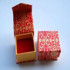工厂现货直销首饰盒、红金花纸戒指盒、包装盒 红色 5×5×3.5cm