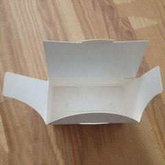 Manufacturer direct selling paper packaging gift box white folded paper box custom color printing te custom