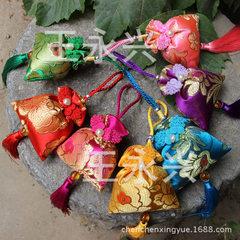 民族风 喜庆大荷包 传统艾叶香包 过年春节送礼自用 车挂挂件 颜色混搭