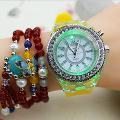 《手表批发》韩版女款时尚休闲镶钻夜光学生日内瓦GENEVA女士手表 白色