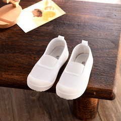 The new canvas children`s shoes for spring are ant white B912 (21-25 yards)