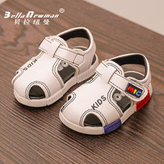 Korean version of the stylish boy`s sandal 2018 su 005 white 14-18 one hand, 5 pairs