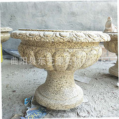 Direct selling outdoor flowerpot yellow rust stone It`s 50 centimeters in diameter and 30 centimeters in height