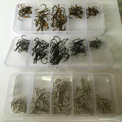 Factory direct selling fishing gear 50 boxes of th It`s light brown.