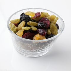 100 grams of raisins in Turpan, Xinjiang One hundred